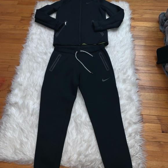 new style 6673e f1d2a Nike men sweatsuit. M 5c8bd60ac2e9fe48430631de